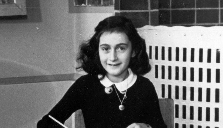 Anna Frank Historias paralelas reseña
