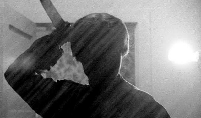 Cinco películas recomendadas dirigidas por Alfred Hitchcock psicosis