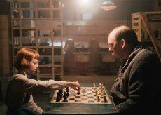 Gambito de dama una reseña a la exitosa serie de Netflix